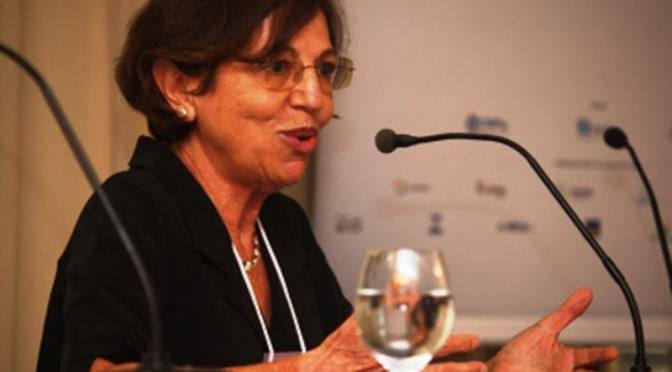 Entrevista com a professora Elisa Reis