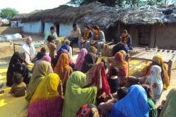 O autor em trabalho de campo na Índia: a sociologia exemplar dá conta, com sua narrativa e teoria, de compreender as relações sociais dessas sociedades? Foto do acervo do laboratório de Rosa http://www.naoexemplar.com/?page_id=344