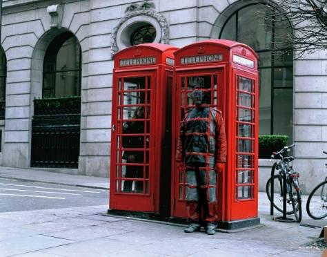 liu_bolin_telephones