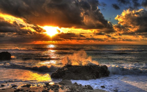 evening_sea_storm_on_amantea___hdr_by_yoctox-d5s0ypk
